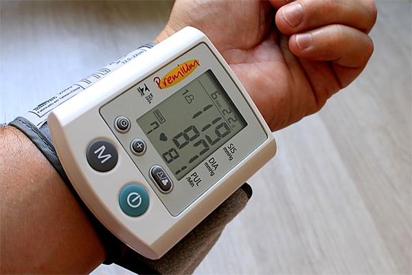Hogyan válasszunk vérnyomásmérőt - Vélemények, teszt, ár